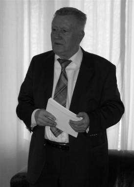 Prof. Dr. Wilhelm Riesner