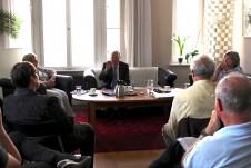 Herr Gysi berichtet von seiner Sicht auf die DDR.