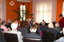 Viele Zuhörer beteiligen sich an der Diskussion über die Preispolitik der DDR