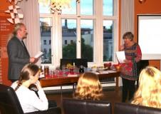 Katrin Rohnstock und Klaus-Peter Buss diskutieren über das Buch